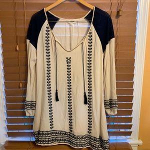{Umgee} Tunic w/ beading & embroidery Size M